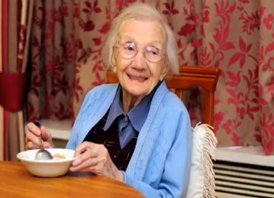 Staruszka przez 109 lat unikała facetów. Twierdzi, że to Oni skracają życie kobietom!