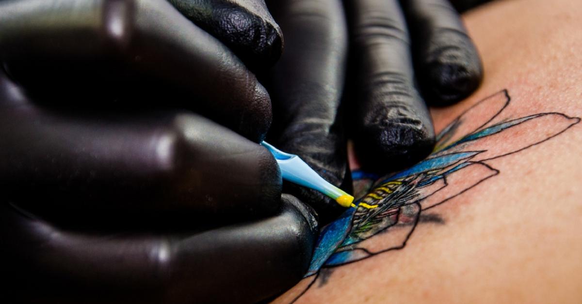 Najgroźniejszy Kolor Tatuażu To Czerwony Powoduje Trwałe