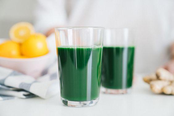 Ta zielona woda wygląda dziwnie, ale skutecznie oczyści organizm z wszystkich toksyn