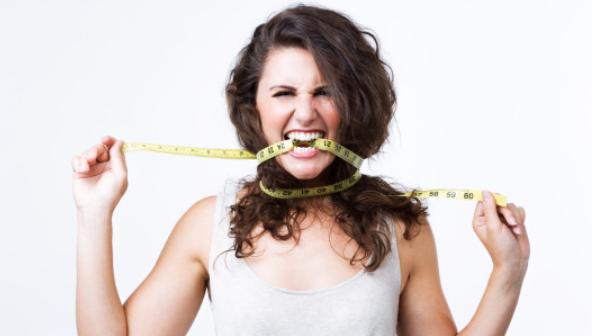 Chudnij pół centymetra dziennie! Przygotuj miksturę na bazie imbiru i cynamonu