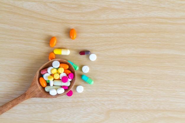 Upewnij się, że nie spożywasz kurkumy, jeśli bierzesz leki. To groźne połączenie