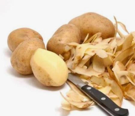 Właściwości ziemniaka ukryją Twoje siwe włosy. Mikstura naszych prababć