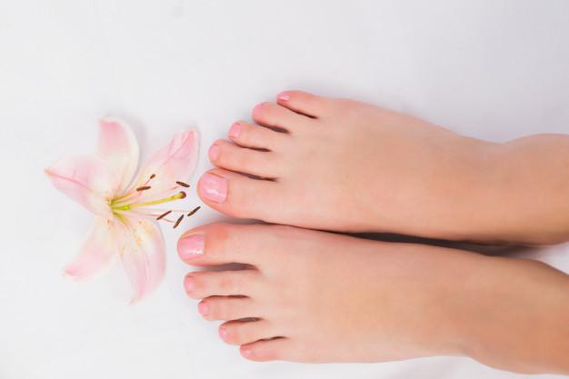 8 rzeczy, które musisz robić, by mieć zadbane i zdrowe stopy. Unikniesz wielu chorób