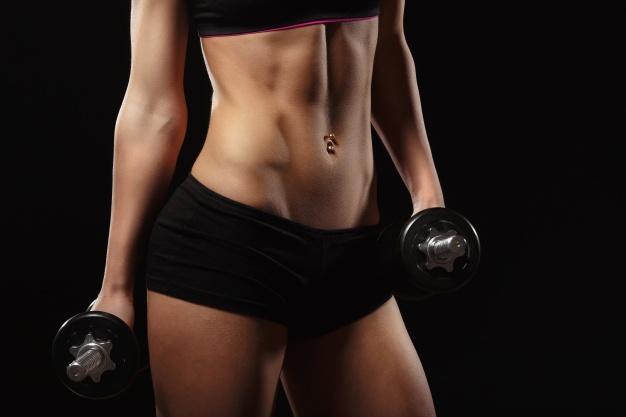8 ćwiczeń, którymi dosłownie stopisz irytujące kilogramy. Wykonuj każdy po 1 minucie!