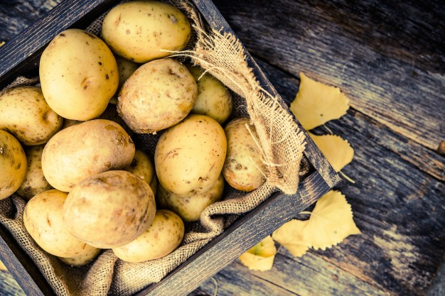 Popraw cerę w 20 min. za pomocą ziemniaka. Nie dla trądziku, tak dla rozświetlonej cery