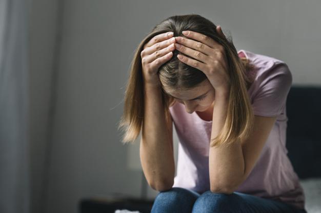 Kilka skutecznych porad psychologa na trudne momenty. Stawiają na nogi