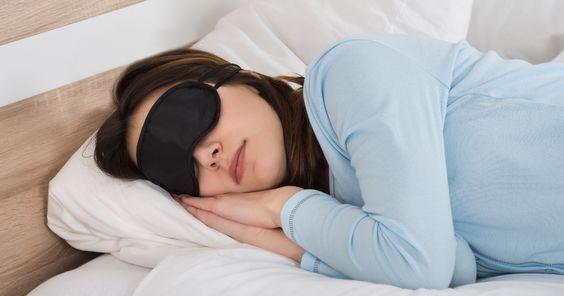 Pozycja do spania a charakter. Mówią wiele o Twojej osobowości
