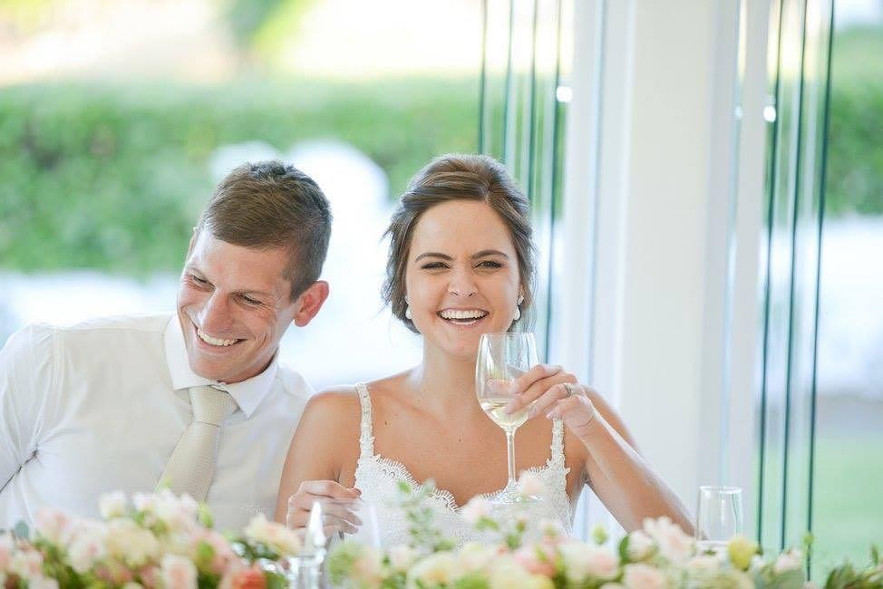 Badanie pokazuje, że szczęśliwe małżeństwa mają tendencję do przybrania na wadze
