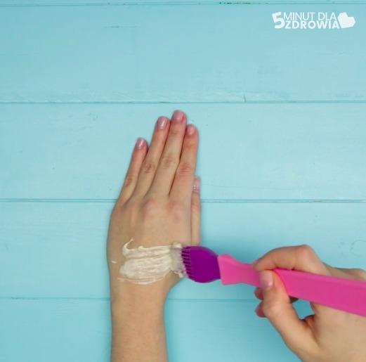 zabiegi na odmłodzenie dłoni