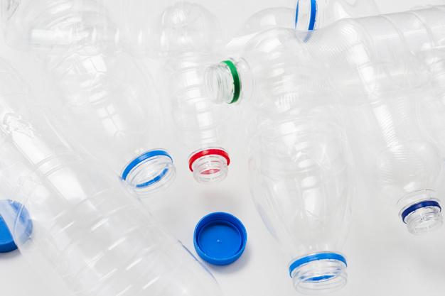 Nie kupuj dziecku wody w plastikowej butelce w upały. To okropne zagrożenie dla zdrowia