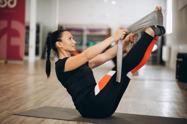 8 błędów treningowych, które powstrzymują Cię przed pokazaniem swojego brzucha światu
