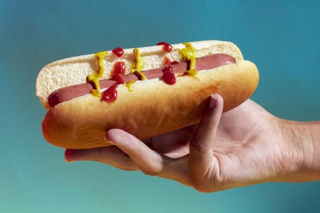 Tanie hot-dogi są przerażająco szkodliwe! Naukowcy zbadali ich związek z rozwojem raka