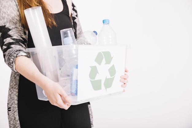 Oznaczenia na plastikowych opakowaniach wiele nam mówią. Sprawdź, które są bezpieczne