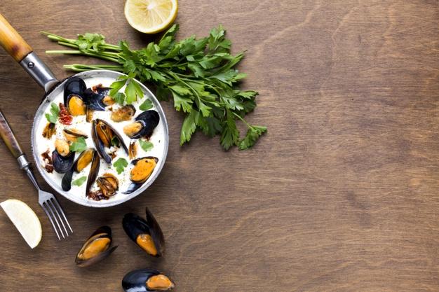 7 leczniczych wskazań, by jeść dużo pietruszki. Jest naturalnym super-lekiem