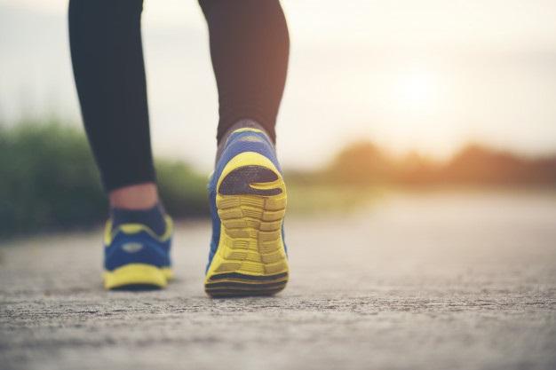 Poznaj 21-dniowy plan marszu, dzięki któremu zrzucisz zbędne kilogramy. Efekty są niebywałe