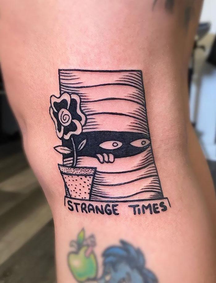 25 najbardziej kreatywnych tatuaży z motywem COVID-19. Już nigdy nie zapomną o wirusie